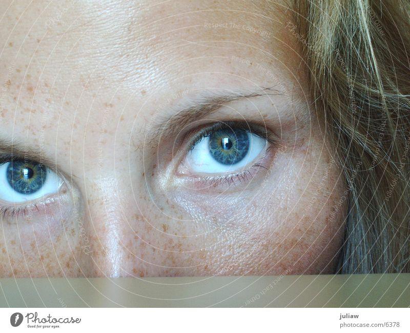 me again #3 Frau ruhig Auge