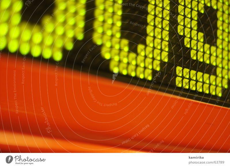 schwarzrotgold... Eisenbahn Information Buchstaben Hinweisschild Anzeige Leuchtdiode Symbole & Metaphern TFT-Bildschirm Eisenbahnwaggon
