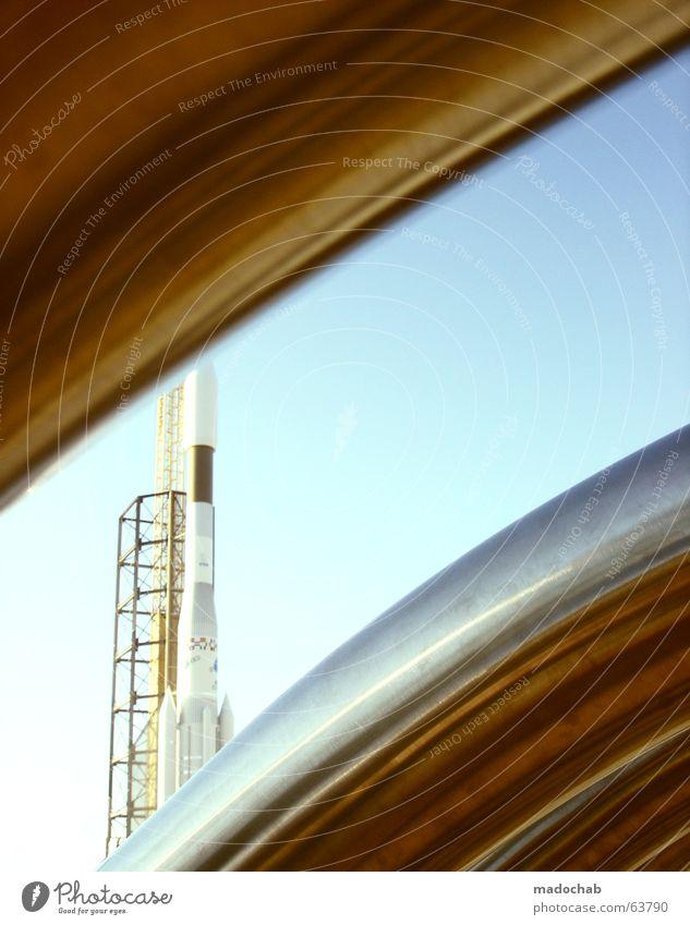 RAKETE   rocket space weltall raumschiff astronaut kosmos traum Spielen träumen Stern fliegen Beginn Perspektive Luftverkehr Technik & Technologie Industriefotografie Weltall obskur Umzug (Wohnungswechsel) Rost Mond Planet Spielplatz