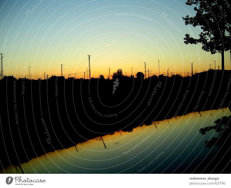Bahnleitungen Sonnenuntergang Elektrizität Reflexion & Spiegelung Baum Eisenbahn