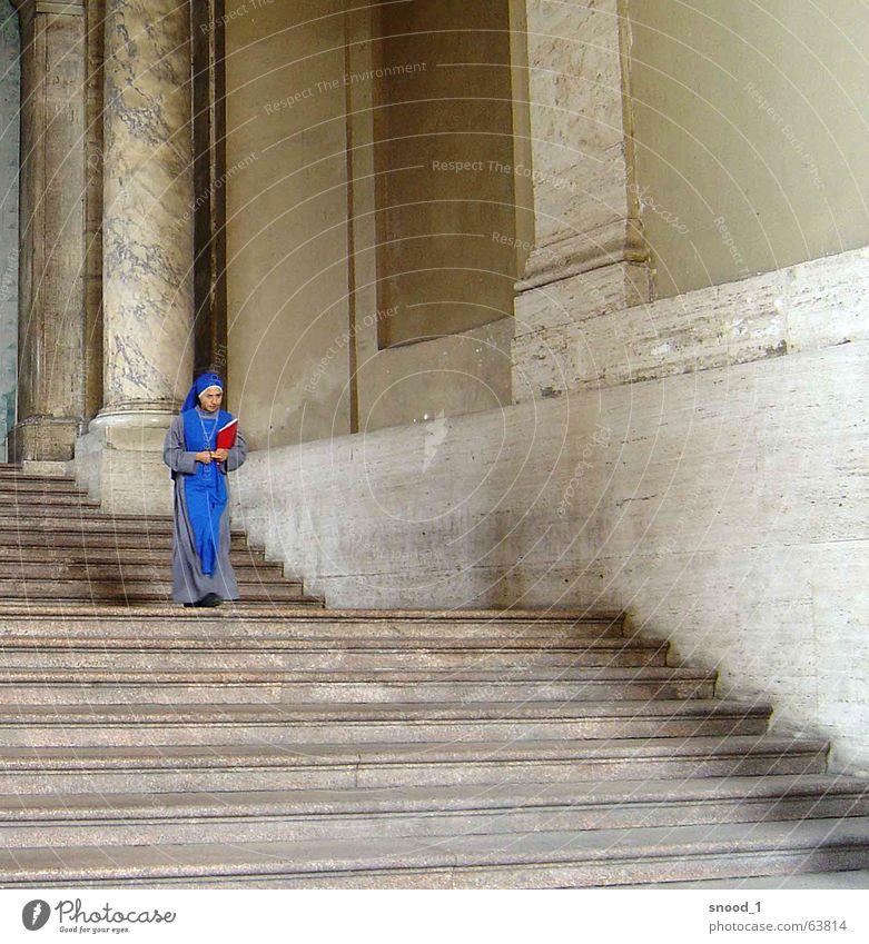 Farbtupf blau Denken Religion & Glaube Rom Europa Nonne Vatikan