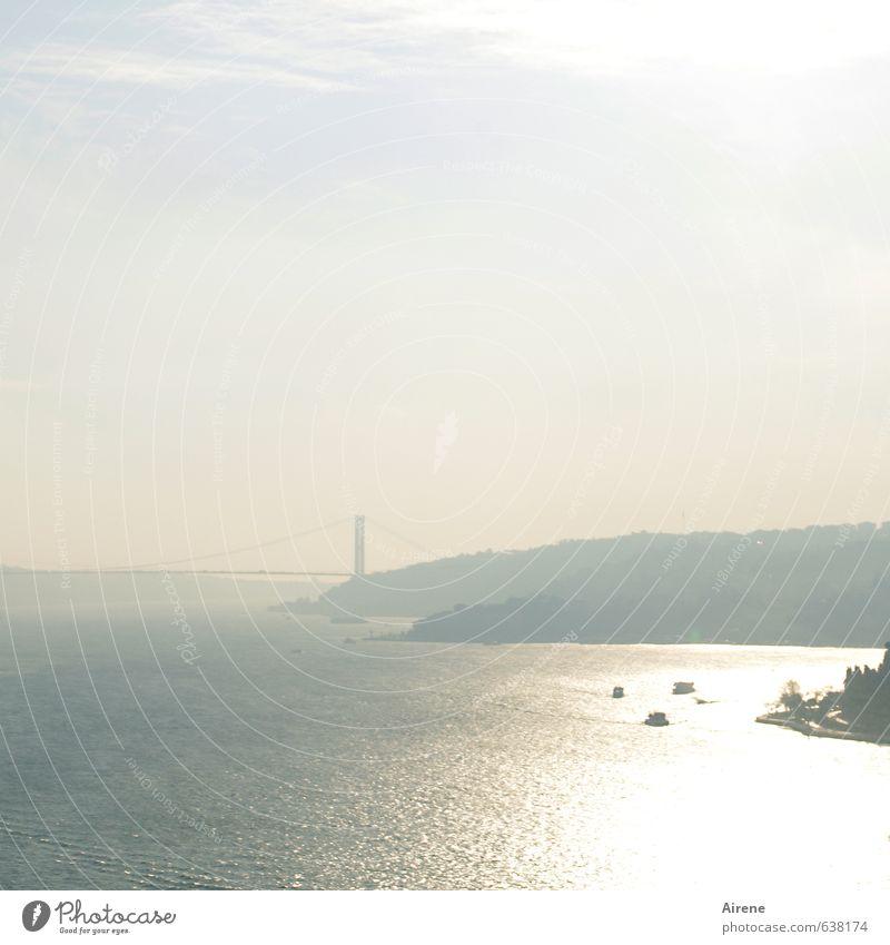 Verbindung halten Himmel blau Wasser Meer Landschaft Ferne Küste Wasserfahrzeug gold Europa Schönes Wetter Brücke Asien Bauwerk Schifffahrt silber