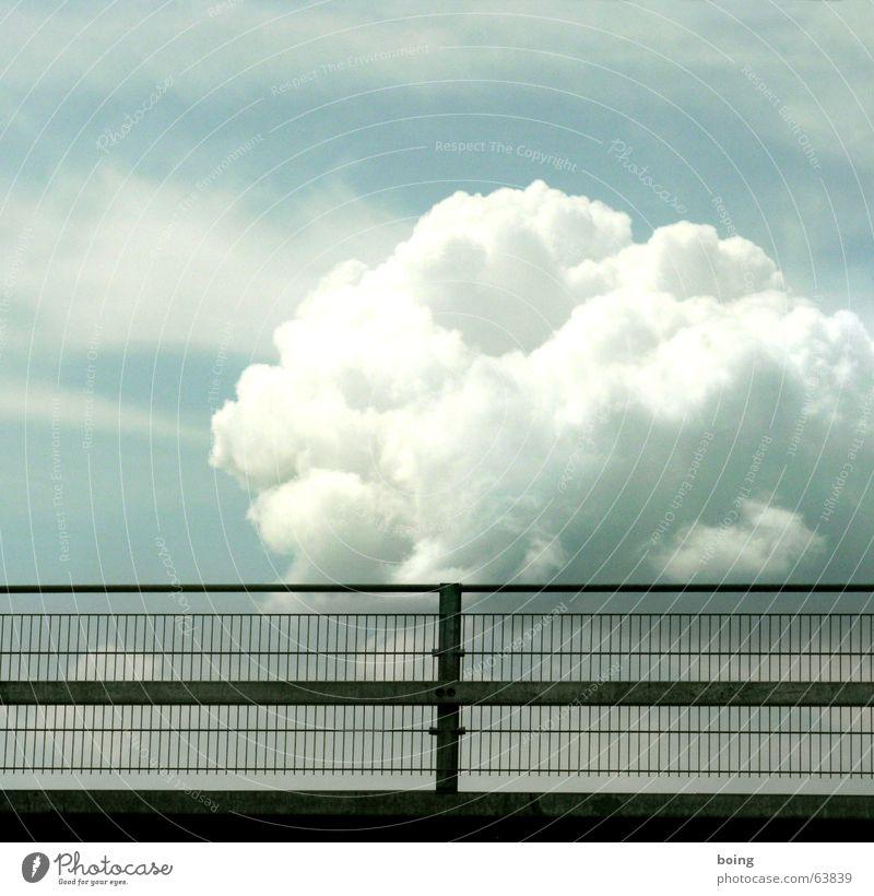 hinter Gittern - der Wolkenknast Himmel Wolken Gewitter Langeweile Geländer Treppengeländer Gitter Brückengeländer Orkan Wirbelsturm