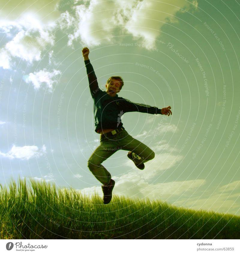 Spring Dich frei! #2 Mensch Himmel Mann Natur Sonne Sommer Freude Landschaft Spielen Gefühle Freiheit Gras springen Kraft Feld fliegen