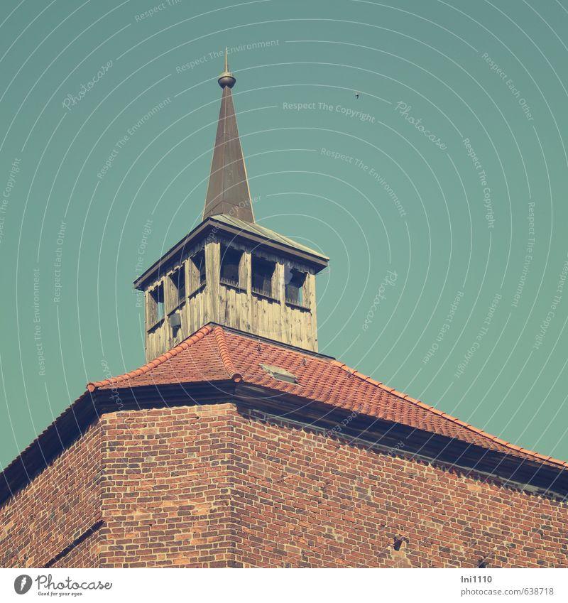 Bergfried Burg Beeskow blau alt rot schwarz Wand Gebäude Architektur Mauer grau Stil Religion & Glaube außergewöhnlich braun Tourismus Perspektive hoch