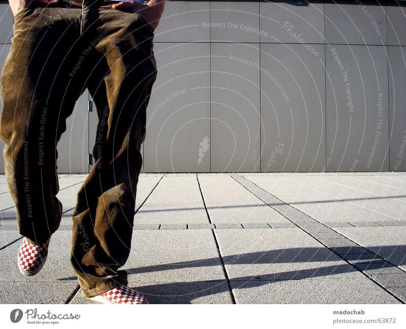 TASCHENBILLARD | gehen person beine laufen stadt mode person Mensch Mann Jugendliche Ferien & Urlaub & Reisen Einsamkeit Erholung Wand Architektur grau Bewegung Mauer Beine braun Freizeit & Hobby gehen laufen