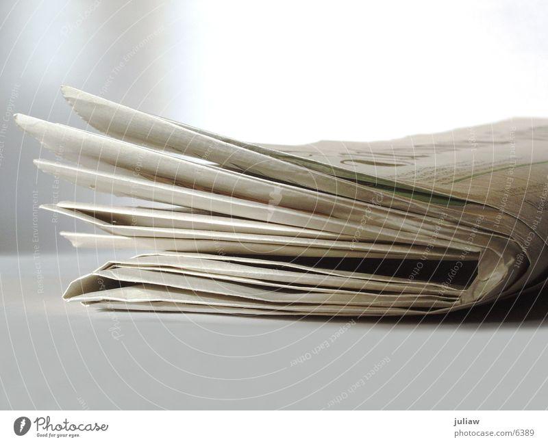 Tageszeitung vom 04.09.03 Zeitung Dinge News Arbeit & Erwerbstätigkeit Business