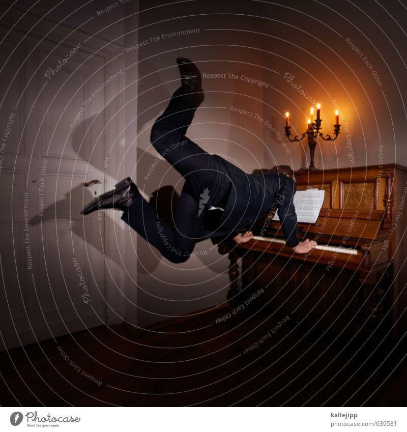 kleine nachtmusik Mensch maskulin Mann Erwachsene Körper 1 30-45 Jahre elegant Musiker Klavier Kerze Kerzenständer Raum Autotür Zimmerecke komponieren Komponist