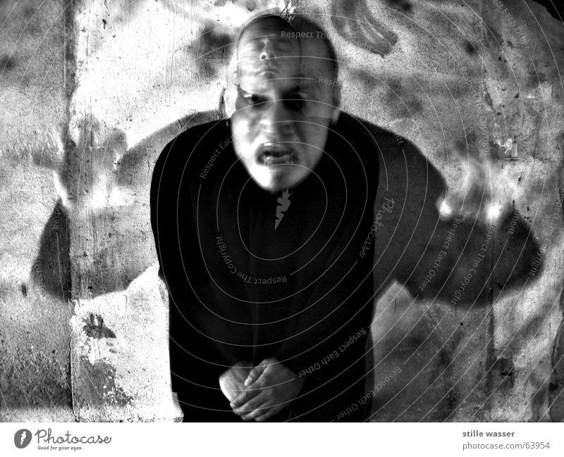 SCHIZOPHREN Angst Konzentration Meditation Geister u. Gespenster obskur Zauberei u. Magie Panik Schock Ausbruch Schizophrenie Langzeitbelichtung Spuk