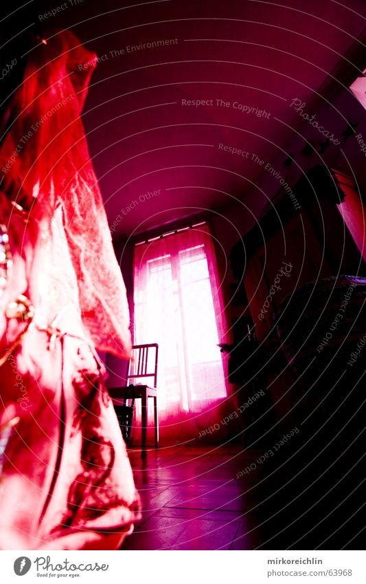Pink Room I rot ruhig Fenster Raum rosa Wind Rose Stuhl violett Tuch magenta