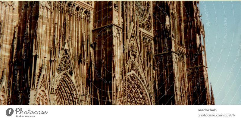 GOTIK | bauwerk kathedrale kirche alt dom architektur münster Gemäuer Straßburg antik Altertum Religion & Glaube Götter geschmackvoll Pfarrkirche Himmel Wolken