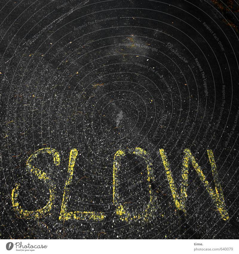 Wochenanfang Stadt schwarz gelb Straße Wege & Pfade Verkehr Schilder & Markierungen Design Ordnung Geschwindigkeit Schriftzeichen Hinweisschild Vergänglichkeit Schutz Sicherheit Hilfsbereitschaft