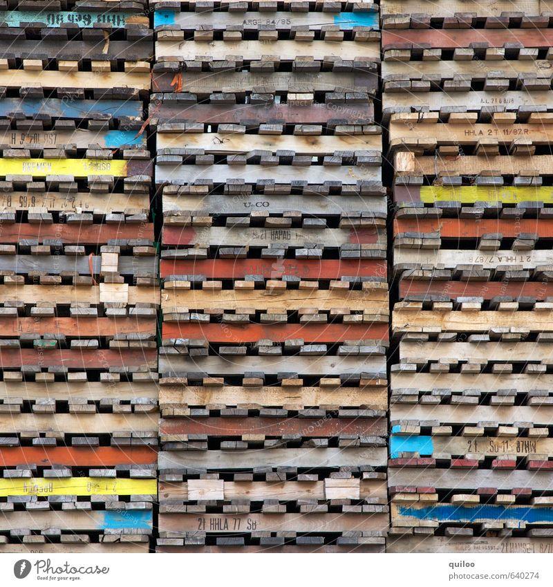 Palettenweise Holz Linie liegen Business Ordnung warten Schriftzeichen einzigartig Schutz Güterverkehr & Logistik flach Symmetrie Stapel gleich Ordnungsliebe
