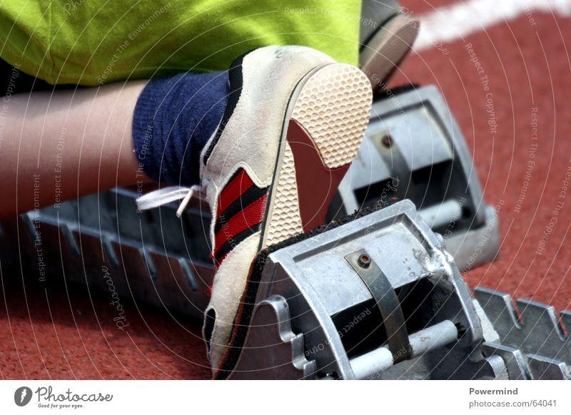 Running Sport rennen Fitness Läufer Sport-Training Turnschuh Stadion Startblock Schulsport Leichtathletik Sportplatz Laufsport Laufbahn Sprinter 100 Meter Lauf