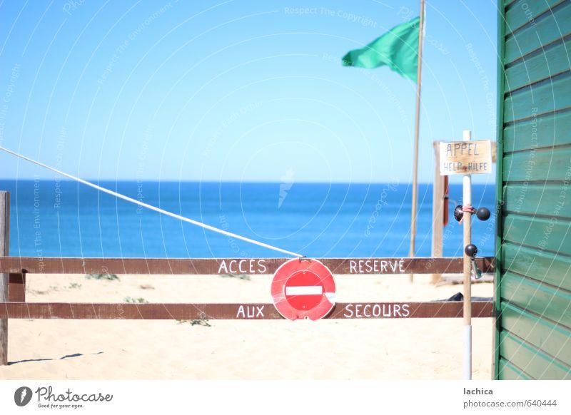 Hilfe am Strand Himmel Ferien & Urlaub & Reisen blau grün Wasser Sommer Sonne Meer Erholung rot Landschaft Ferne Wärme Küste Freiheit