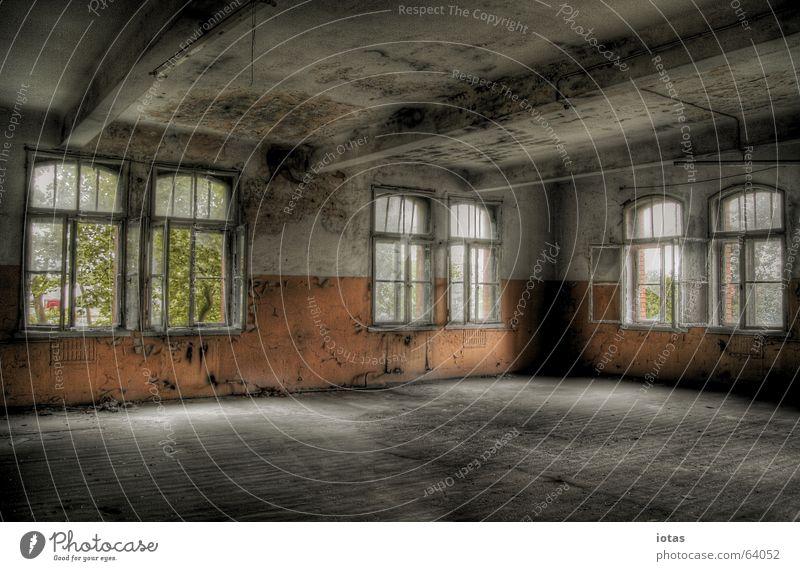 abandoned barracks schön alt rot ruhig Einsamkeit Farbe Stil Fenster Traurigkeit Gebäude orange dreckig Deutschland Industrie offen