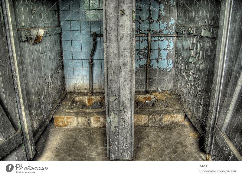 abandoned barracks schön alt ruhig Einsamkeit Farbe Stil Holz Traurigkeit Gebäude Angst dreckig Deutschland offen Ende Vergänglichkeit