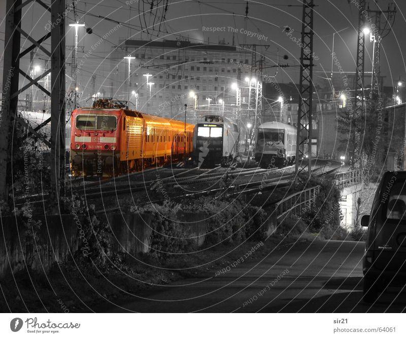 reduced to the maxx... Bildbearbeitung Bahnhof Nachtaufnahme Colorkey