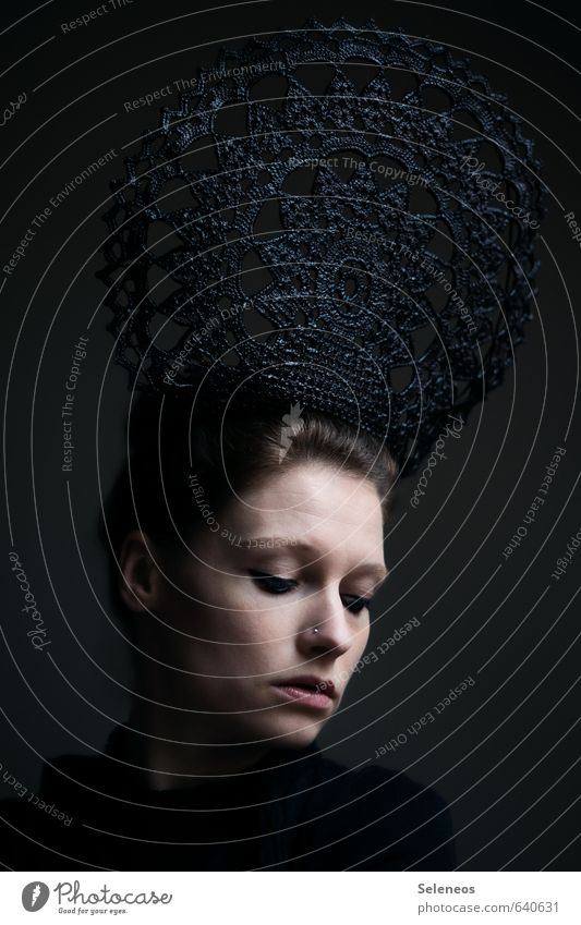 Omas Deckchen Haare & Frisuren Haut Gesicht Kosmetik Schminke Mensch feminin Frau Erwachsene Auge Ohr Mund Lippen 1 18-30 Jahre Jugendliche Accessoire Schmuck