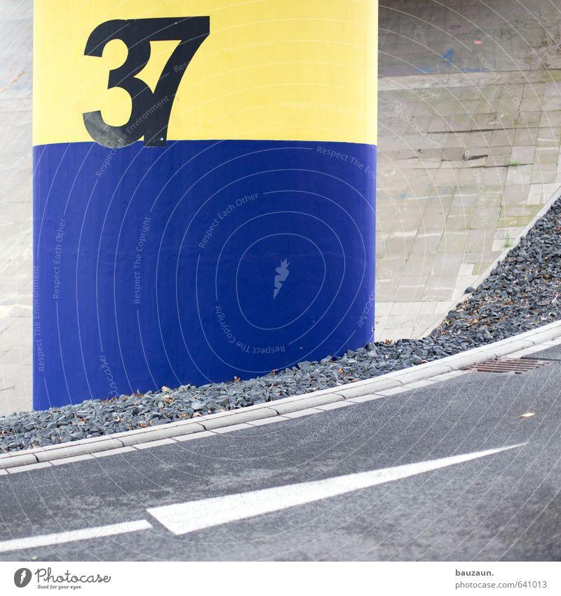 ab 37 geht's aufwärts. Stadt Brücke Parkhaus Bauwerk Verkehr Straße Wege & Pfade Hochstraße Stein Beton Ziffern & Zahlen Schilder & Markierungen Verkehrszeichen