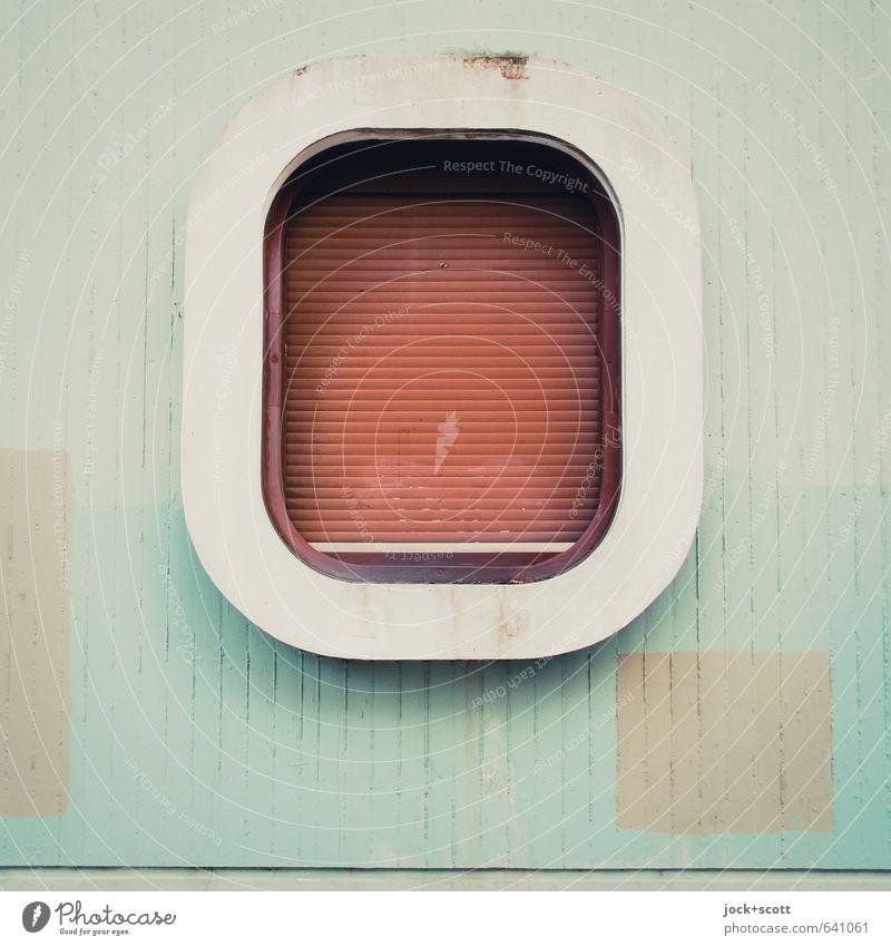 Rundeck im Quadrat Architektur Wand Fenster Rollladen Beton einfach retro Schutz modern geschlossen Anstrich Siebziger Jahre Fensterrahmen Zahn der Zeit