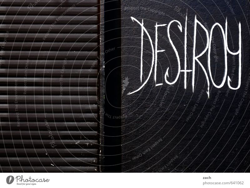 Empfehlung Jugendkultur Subkultur Stadt Stadtzentrum Haus Gebäude Mauer Wand Fassade Holz Zeichen Schriftzeichen Ziffern & Zahlen Graffiti Kommunizieren