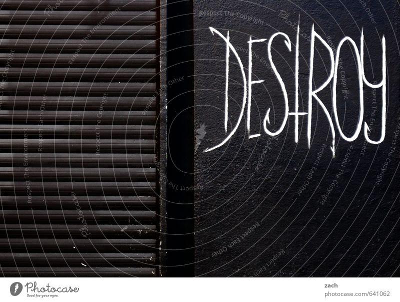 Empfehlung Stadt Haus schwarz Graffiti Wand Gebäude Mauer Holz Fassade Schriftzeichen Kommunizieren Ziffern & Zahlen Zeichen Jugendkultur Wut schreiben