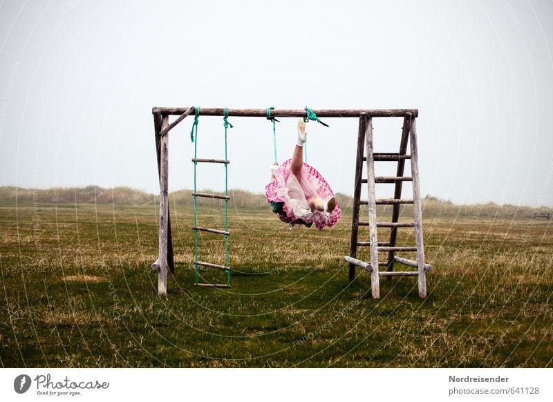 Übermütig Mensch Frau Einsamkeit Freude Erwachsene Leben Wiese feminin Bewegung Stil Freiheit Glück Mode Stimmung Nebel Lifestyle