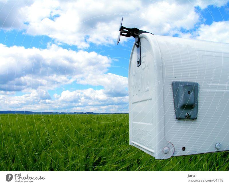 Aussiedler Postfach Briefkasten Wolken Kornfeld Feld Zeitung Einsamkeit E-Mail Medien Detailaufnahme Werbung Ferne us mail Himmel einzeln Landschaft Natur jarts