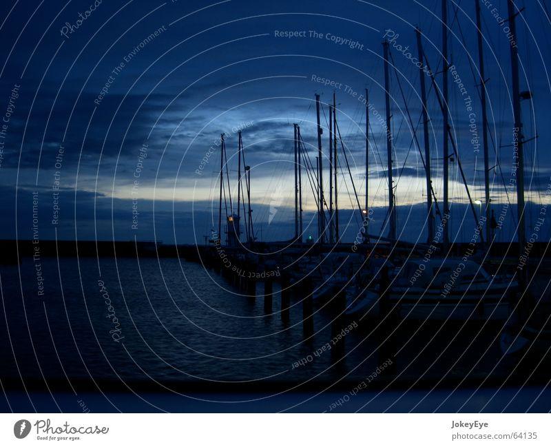 nächtlicher Hafen ruhig Hafen Schweden Segelboot