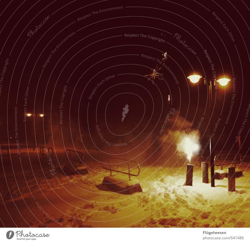 Prost Freiheit Sightseeing Nachtleben Party Veranstaltung Feste & Feiern Silvester u. Neujahr Feuerwerk Wunderkerze Rakete Knall Funken Brand Straßenbeleuchtung