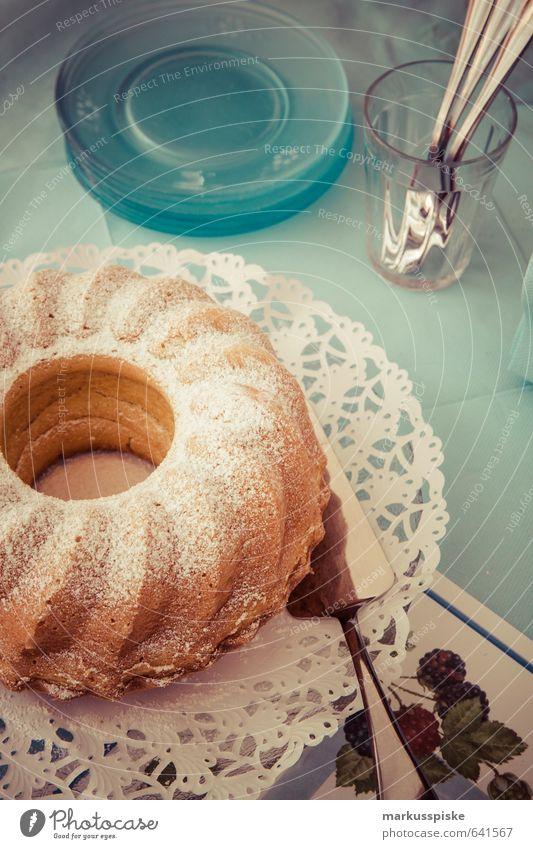 kaffee kränzla / kaffeekränzle Lebensmittel Kuchen Süßwaren Gugelhupf Kuchengabel kuchenplatte Puderzucker Marmorkuchen Ernährung Essen Frühstück Kaffeetrinken