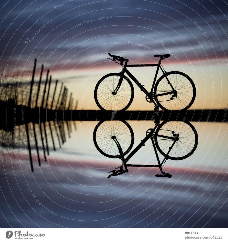 racebike mountain mirror Himmel Natur Ferien & Urlaub & Reisen Wasser Pflanze Landschaft Wolken schwarz dunkel Berge u. Gebirge Sport Stil Freiheit Horizont