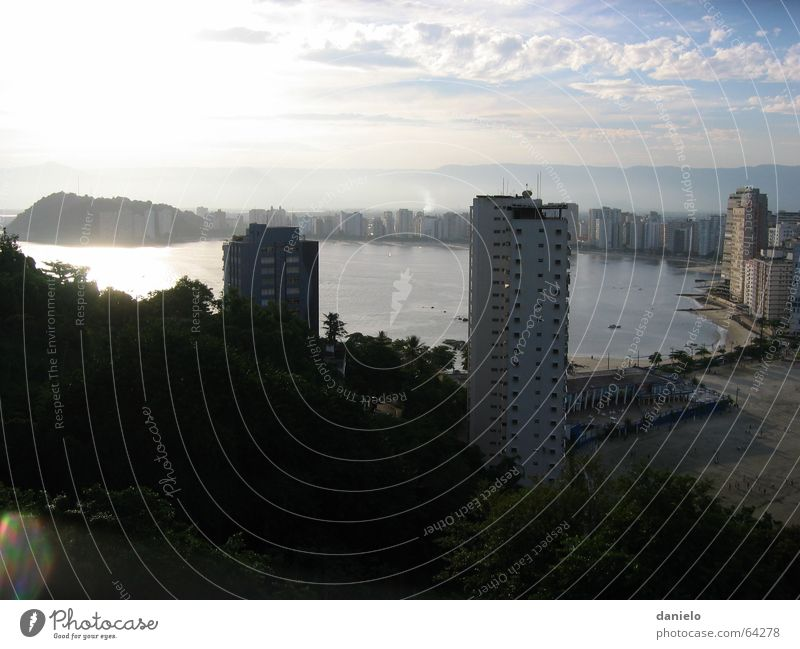 Brasilianischer Abend Brasilien Abenddämmerung São Vicente São Paulo Sonnenuntergang Meer Strand Hochhaus Gesellschaft (Soziologie) Südamerika Bucht bay ocean