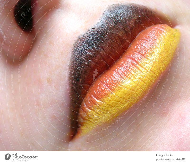 Das ist Deutschland??? Farbe rot schwarz Gesicht Spielen Deutschland gold Haut Mund Nase Hoffnung Wunsch Lippen Fahne Fan Weltmeisterschaft