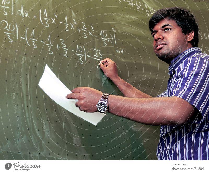 Mathematiker Lehrer Trennung Ergebnis Formel Denken Mann Inder Nachhilfeunterricht Arbeit & Erwerbstätigkeit Physik Student mathematiker rechnen schreiben