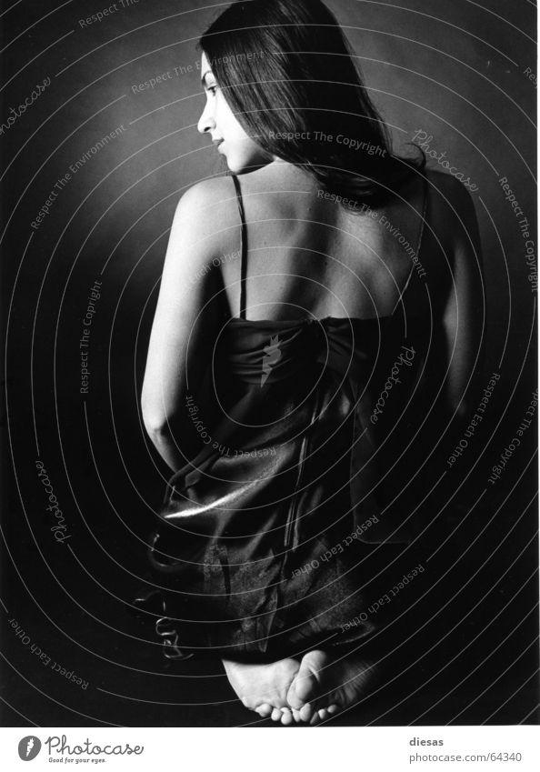 La Sensualidad Porträt Frau Silhouette Kleid ruhig feminin potrait Profil