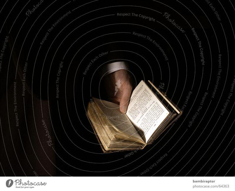 The Book of Books (chapter two) Leben dunkel Tod Traurigkeit Religion & Glaube Buch Rücken Hoffnung Trauer Schutz Vertrauen Gebet Gott Götter Bibel notleidend