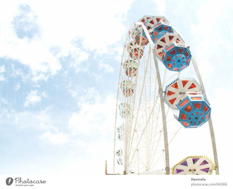 zwischen Himmel und Erde Himmel weiß Freude Wolken Feste & Feiern Hintergrundbild Jahrmarkt unklar Riesenrad Stadtfest Übergang