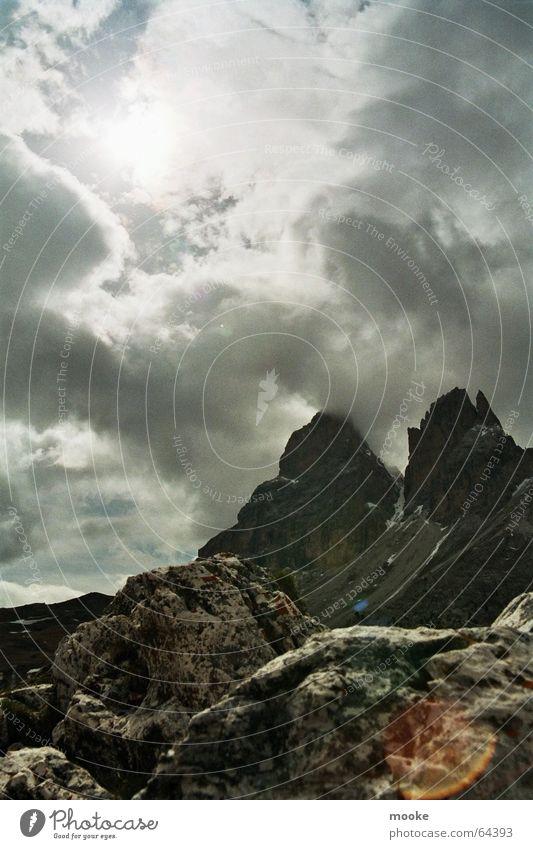 Passo Sella Sonne Wolken Berge u. Gebirge Felsen karg