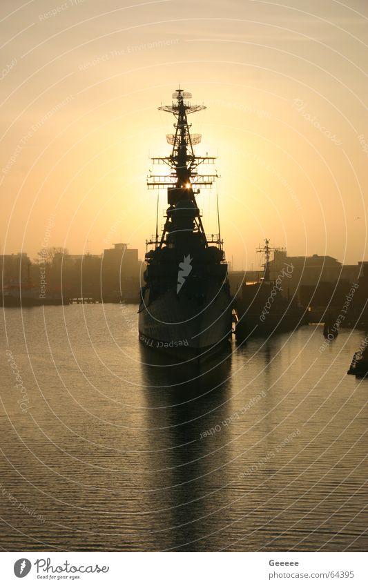 Sonnenaufgang Wilhelmshaven Wasserfahrzeug Zerstörer Hafen