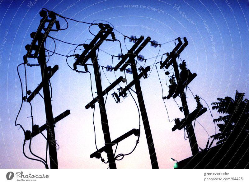 Abendspannung Kraft Energiewirtschaft Elektrizität Kabel Strommast Draht Abenddämmerung Leitung