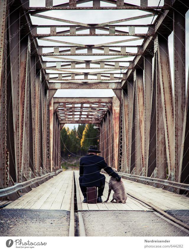 Warten.... Hund Mensch Ferien & Urlaub & Reisen Mann Erwachsene Leben Straße Wege & Pfade Architektur Freiheit Stimmung elegant Lifestyle warten Brücke Abenteuer
