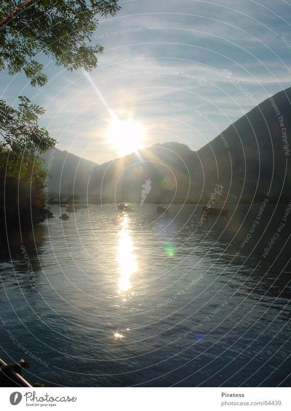 Sonnenbad See Sonnenuntergang Wasser Berge u. Gebirge Natur