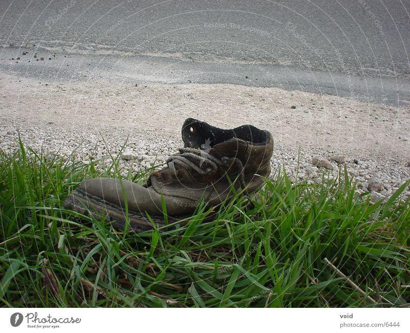 braucht niemand mehr.. alt Schuhe Dinge