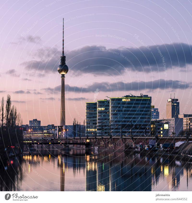 spreeblick Himmel Ferien & Urlaub & Reisen Haus Berlin Tourismus Brücke Fluss violett Bankgebäude Stadtzentrum Wahrzeichen Sehenswürdigkeit Hauptstadt
