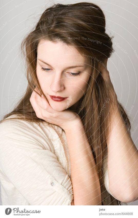 Laeticia II schön Haare & Frisuren Kosmetik Lippenstift harmonisch Wohlgefühl Zufriedenheit feminin Junge Frau Jugendliche brünett langhaarig Erotik