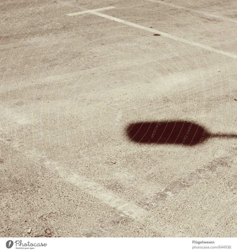 Rattenschatten Ferien & Urlaub & Reisen Sommer Straße Straßenkreuzung Wege & Pfade Klima Schatten Schattenspiel Schattenseite Schattendasein parken Parkplatz