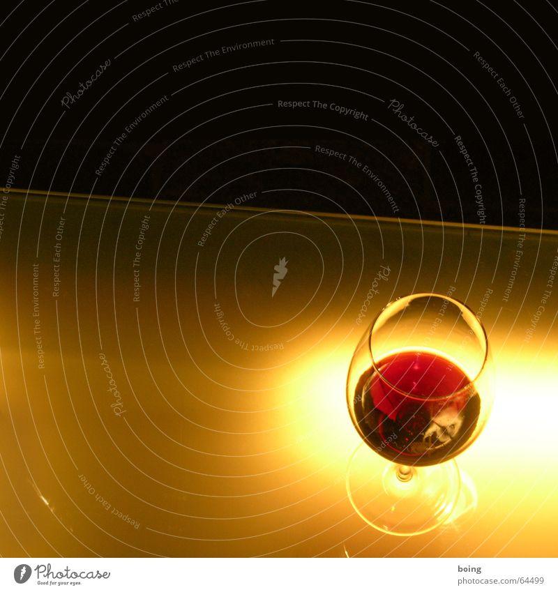 morgens halb fünf in Süddeutschland Wein Rotwein Theke Bar Weinglas Alkohol Nacht Glas Nachtleben Gastronomie Club reserva mundgeblasen