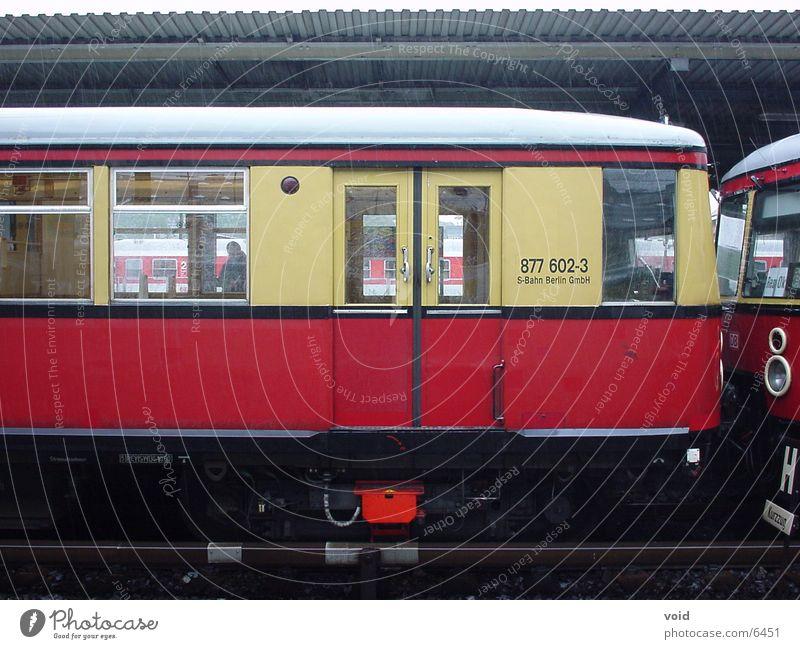 S-Bahn rot Eisenbahn Berlin